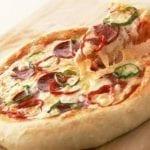Рецепты пиццы с колбасой и сыром, секреты выбора ингредиентов и